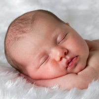 18 cuidados para recém-nascidos que pais de primeira viagem precisam saber.