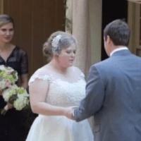 Veja como chamar mais atenção que a noiva em um casamento.