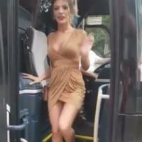 O ônibus do tanto faz acabou de chegar.