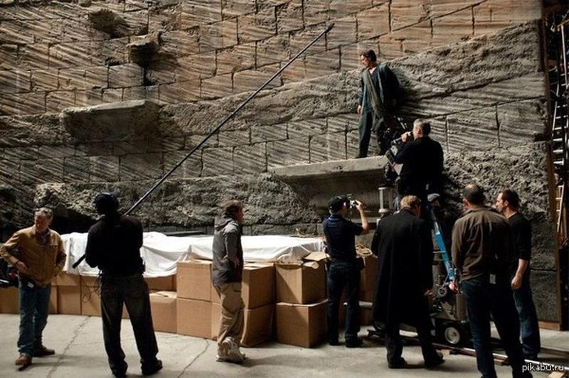 Essa imagem de Batman mostra como o lugar não era tão alto como se pensava