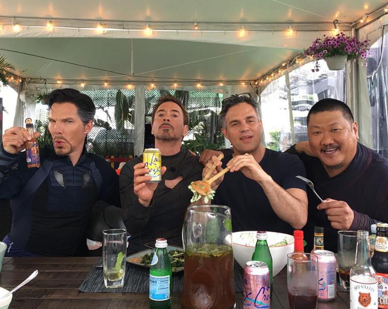 Os Vingadores resolveram fazer uma pausa para a alimentação