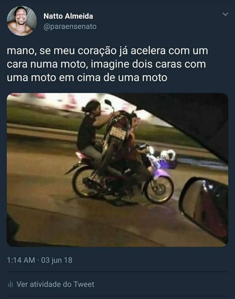 Dois caras numa moto e as zoeiras da internet