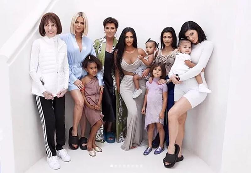 As mamães da família Kardashian-Jenner (Foto: Instagram)