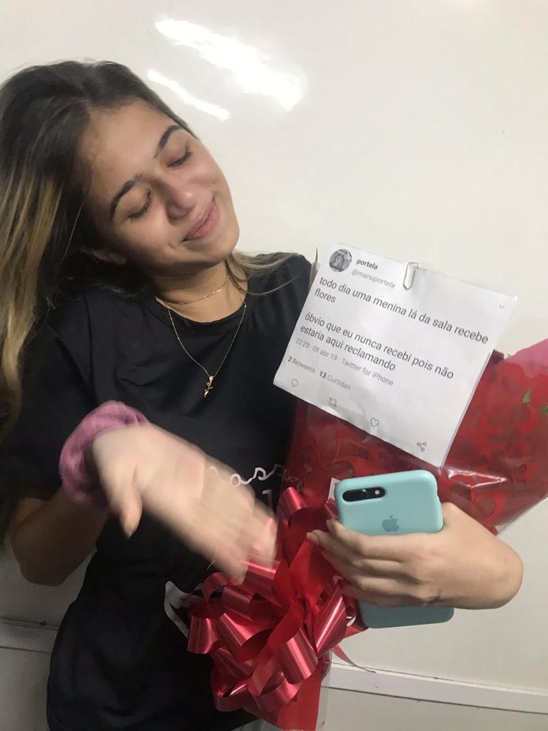 O melhor dia do ano para uma mulher que precisava receber flores