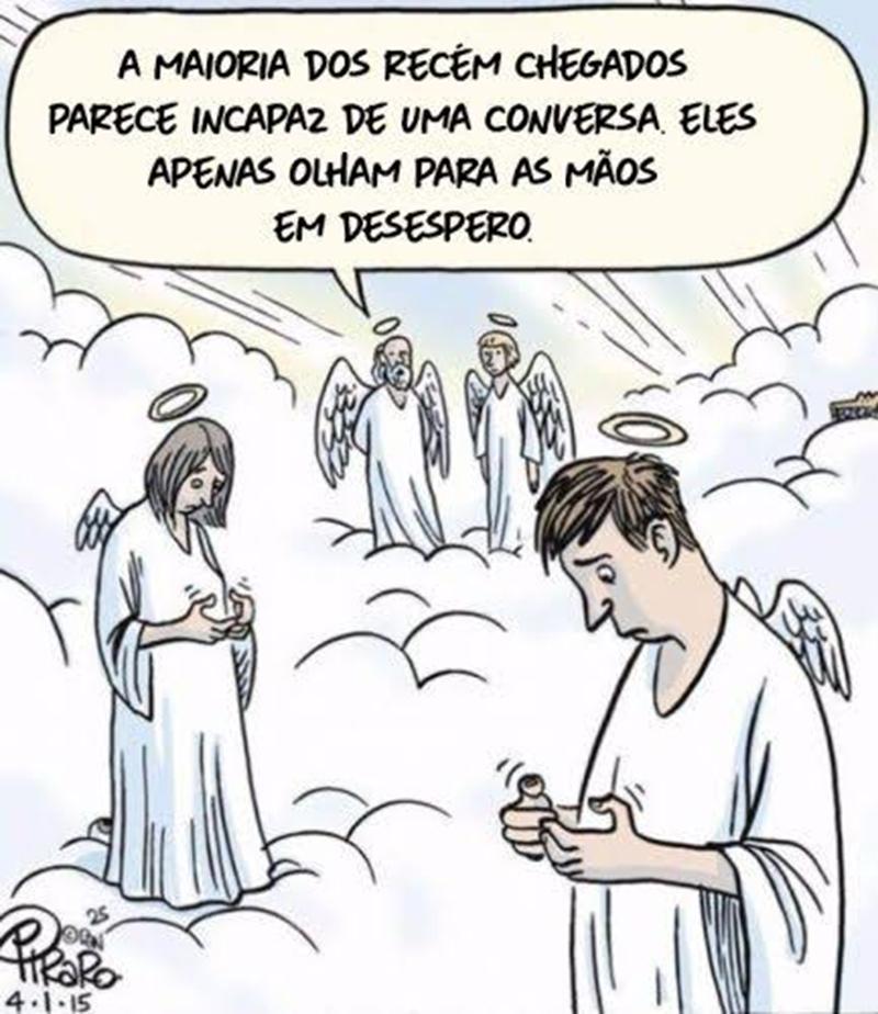Tem celular no céu