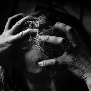 Nós complicamos as coisas e sofremos por culpa nossa