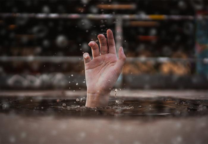 Quando nos afundamos no mal e precisamos desatolar, só existe uma saída